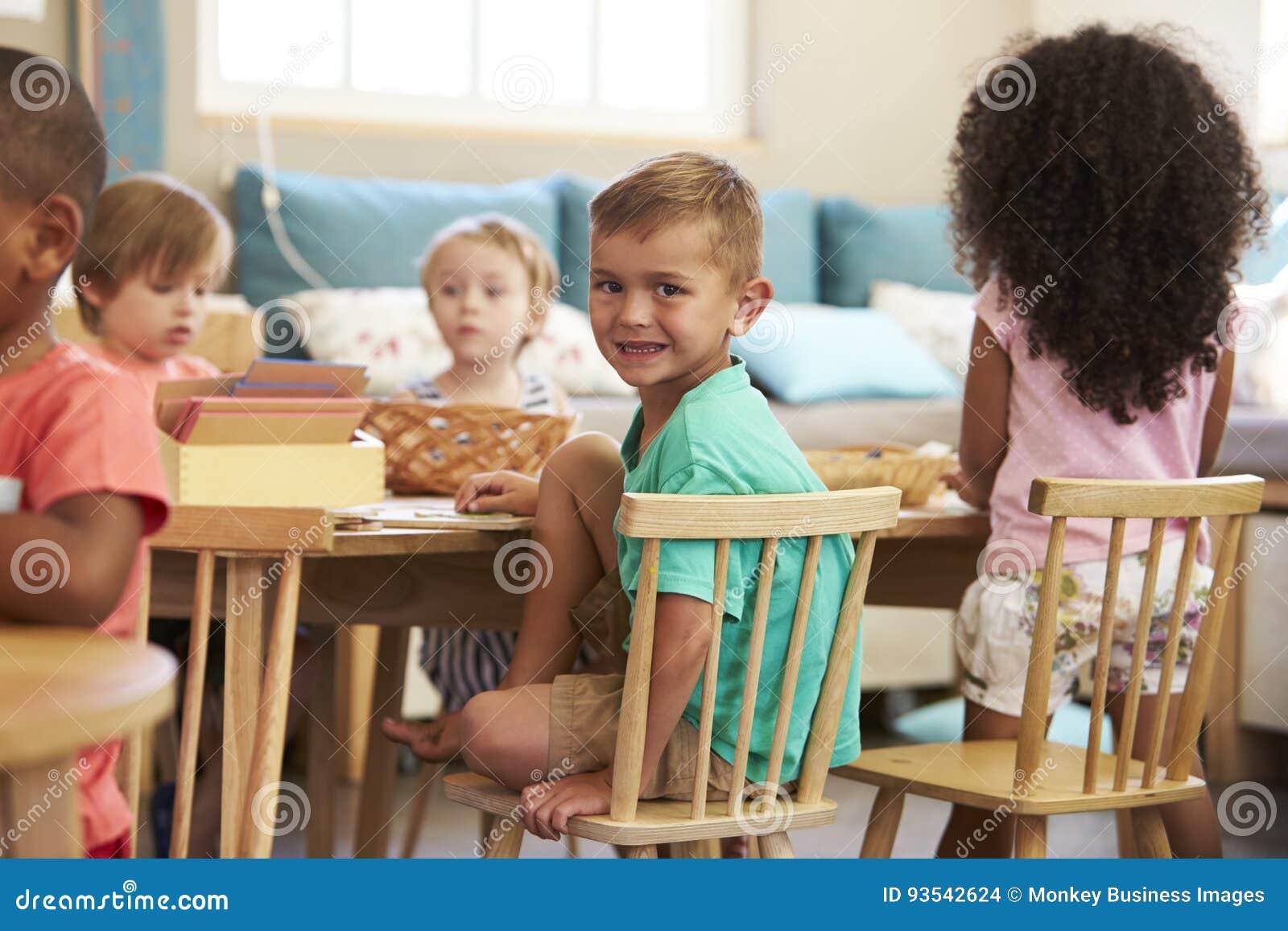 Camere Montessoriane : Consigli per arredare una cameretta montessori casafacile