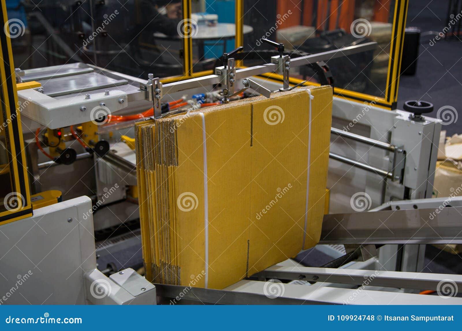Monteur automatique de carton