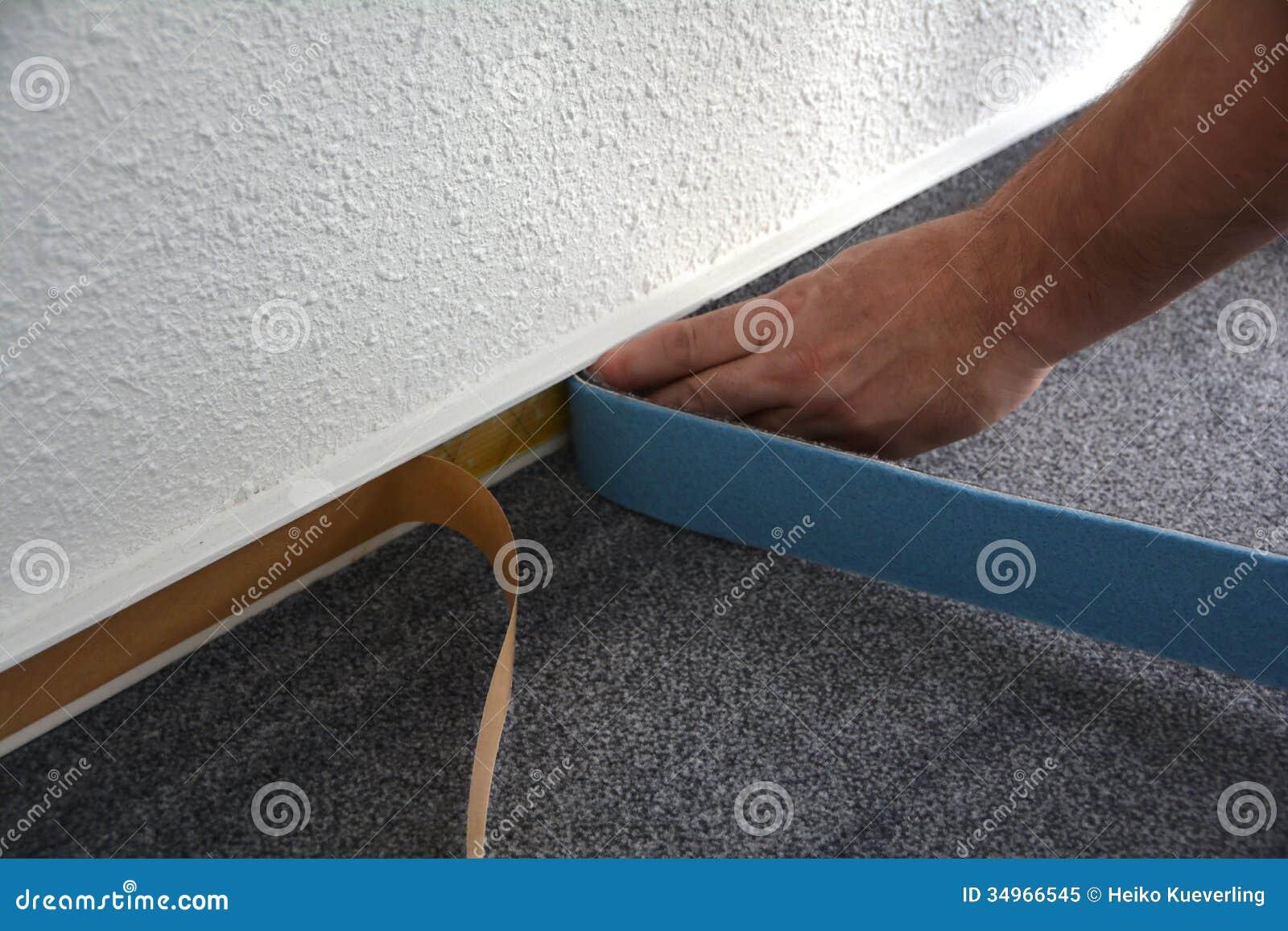 Monteurs d un plancher au travail