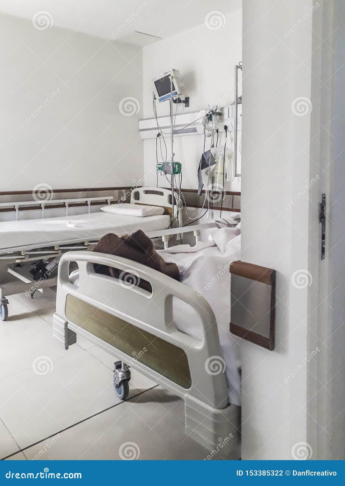 Hospital Emergency Room: Empty Hospital Emergency Room Stock Photo