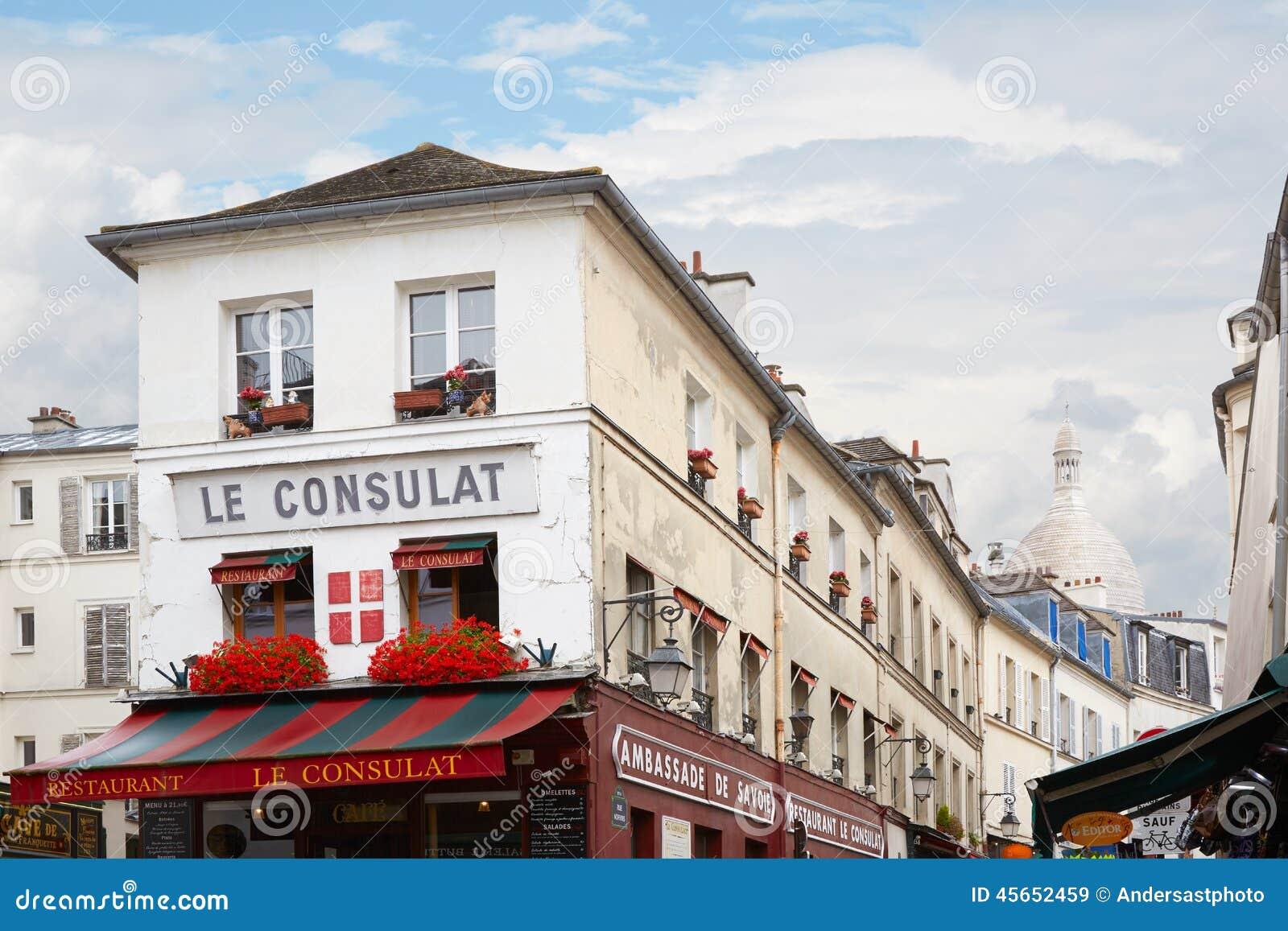 Le consulat restaurant bar paris france editorial image for Le miroir restaurant montmartre