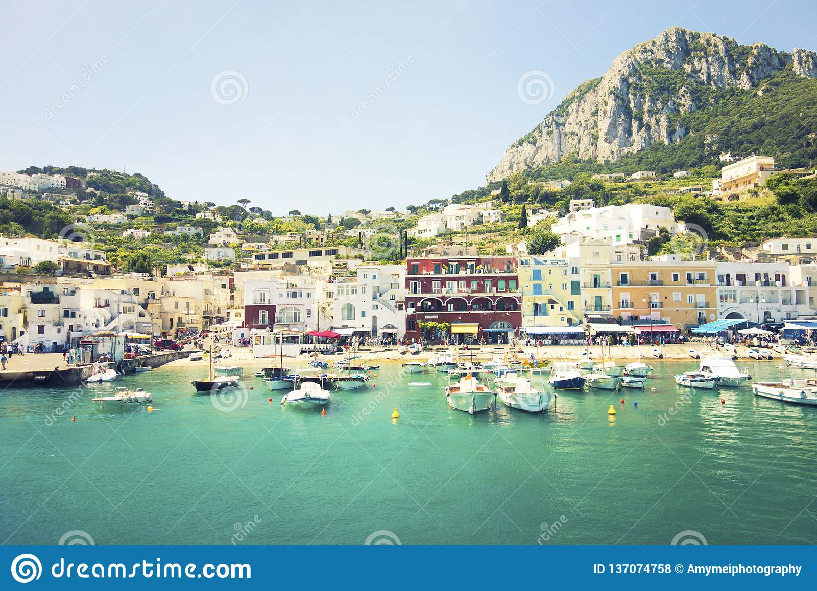 Montras coloridas de Capri, Itália