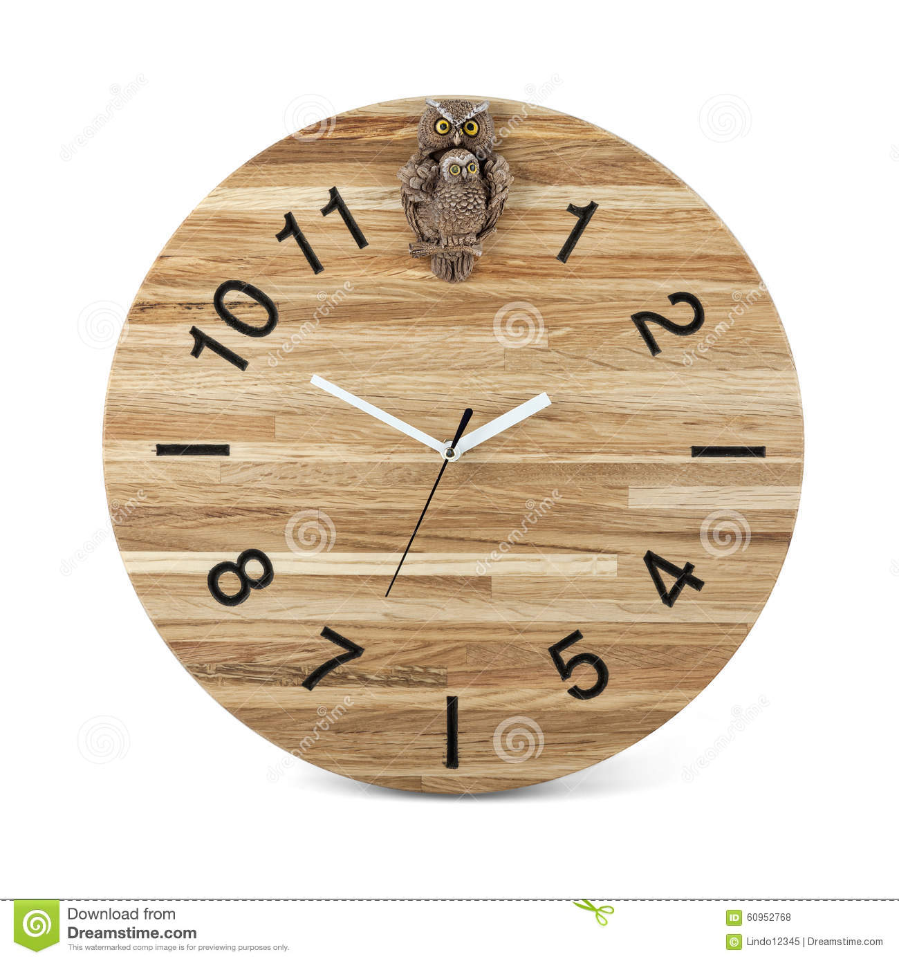 montre ronde en bois de mur avec le jouet de hibou horloge d 39 isolement photo stock image. Black Bedroom Furniture Sets. Home Design Ideas