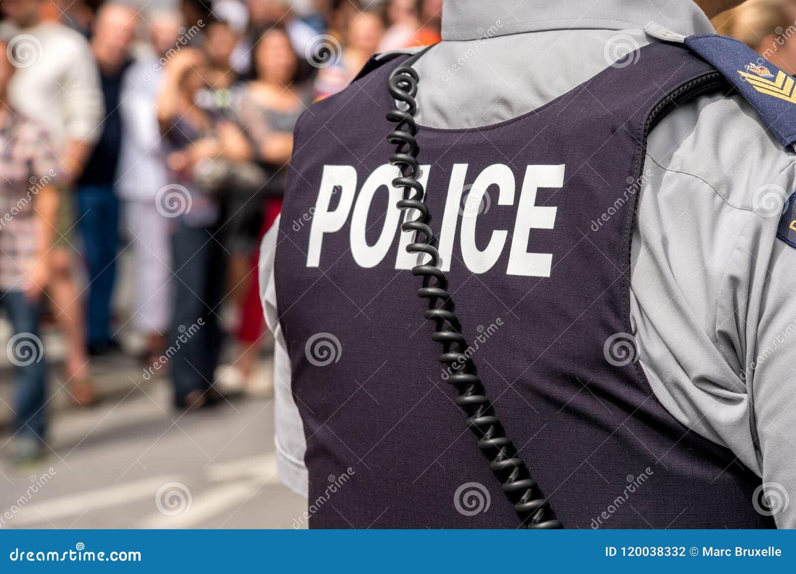 Montreal, CA - 14 Augustus 2016: Terug van het kogelvrije vest van a