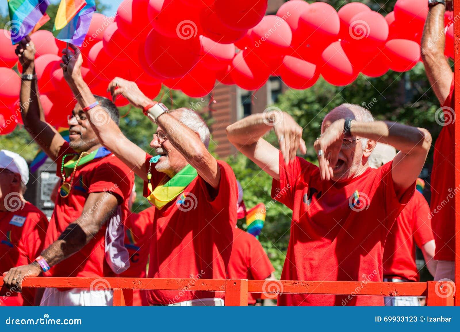 Défilé de la fierté LGBT / Gay Pride Parade - Montréal - a