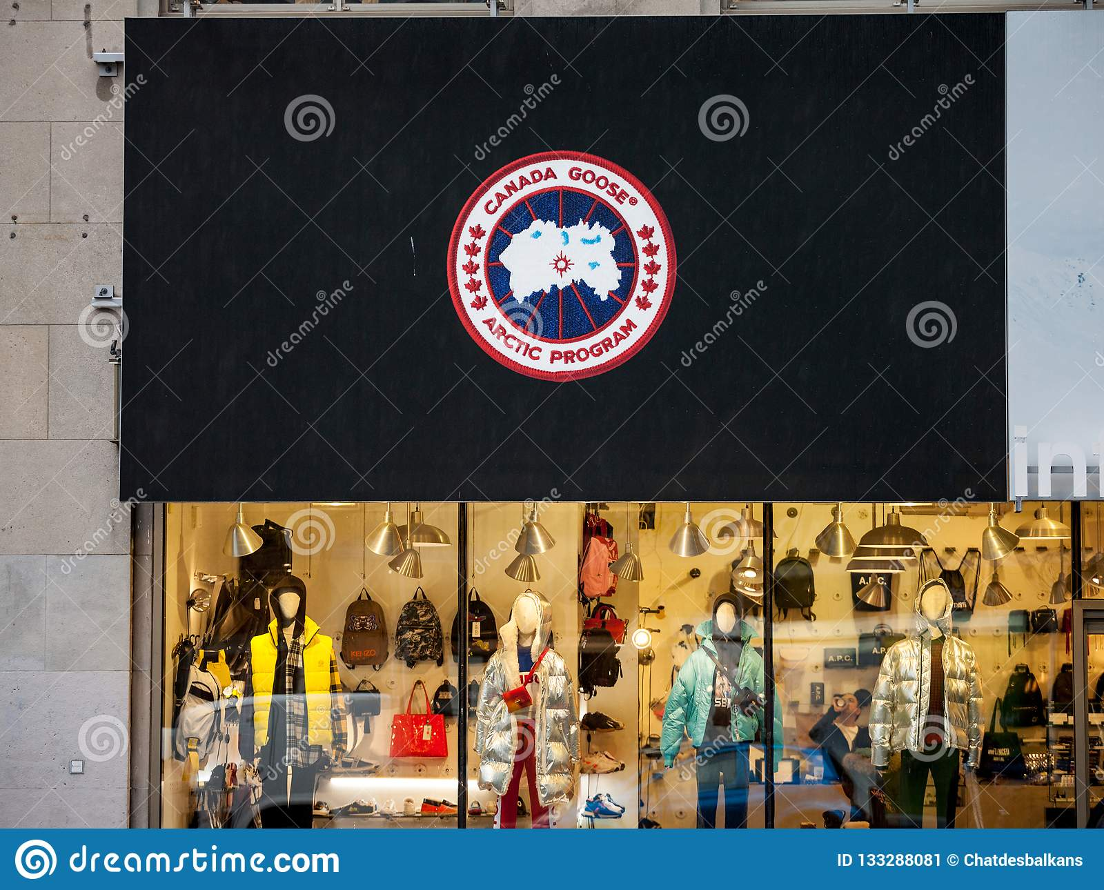 canada goose shop in montreal