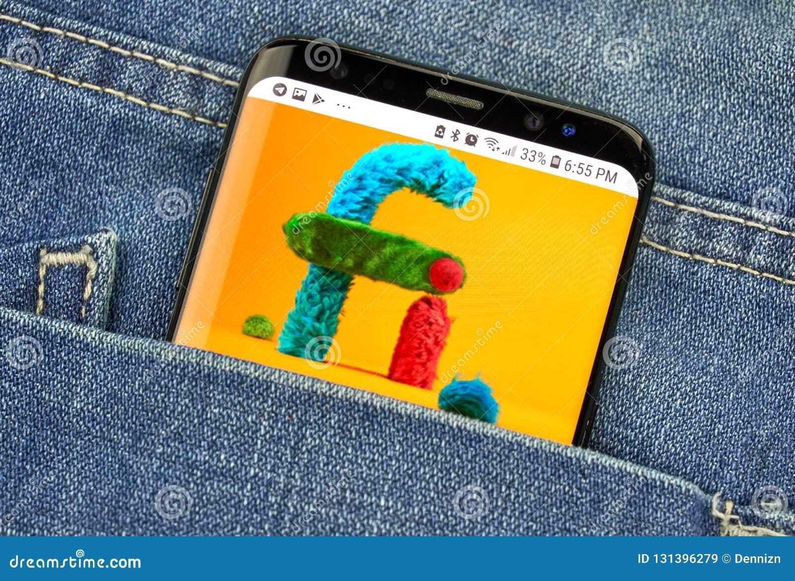 MONTREAL KANADA, PAŹDZIERNIK, - 4, 2018: Google projekt fi, mobilny wirtualnej sieci logo na s8 ekranie Google jest Amerykańskim