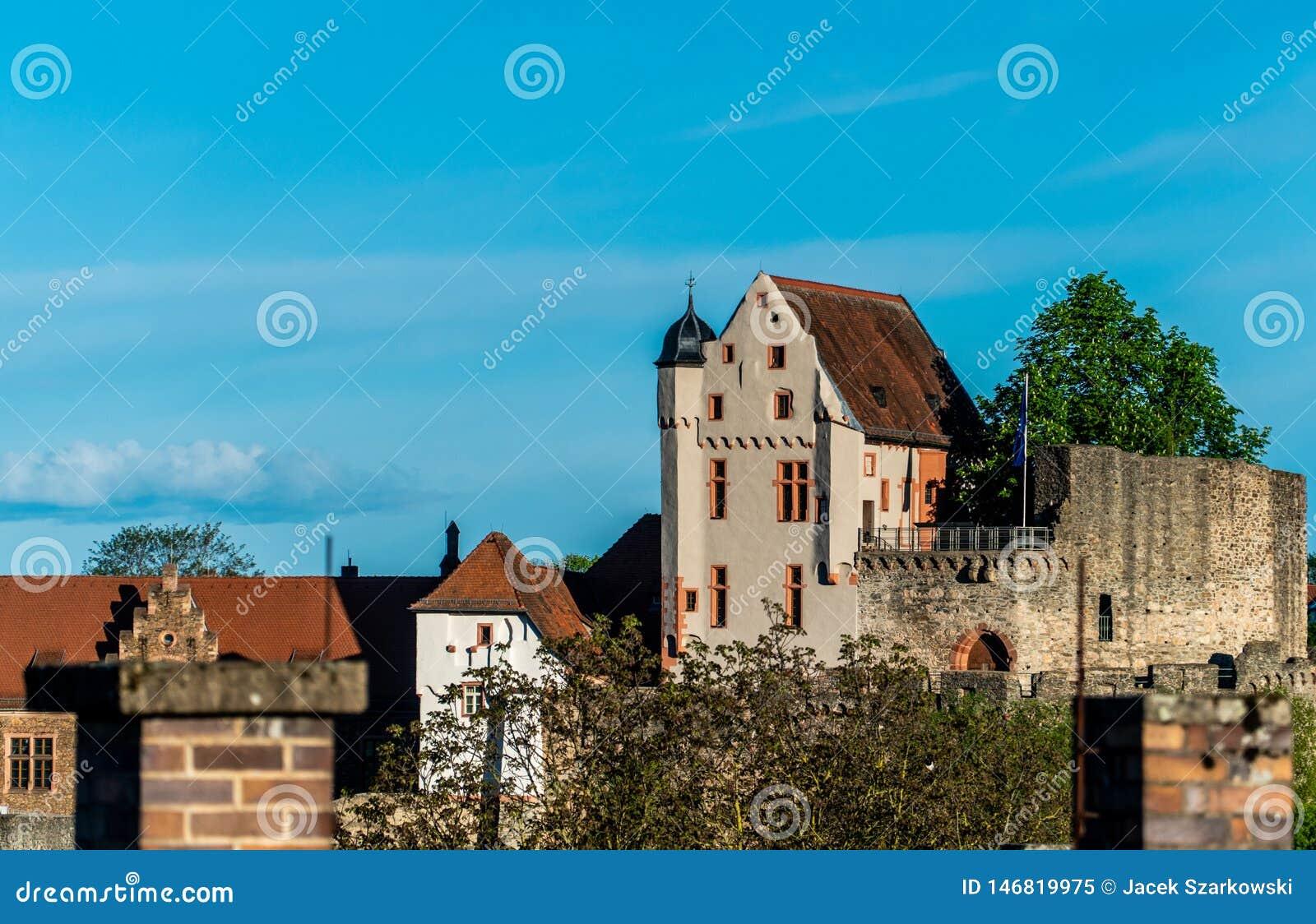 Monumens bávaros O castelo do cavaleiro Um castelo medieval no monte