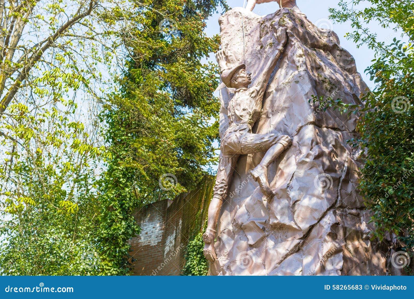 Monument aan Alpini Corp