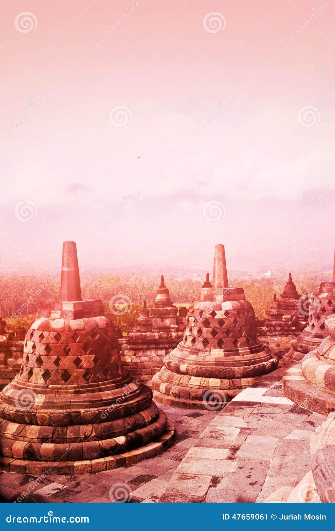 Monument antique de temple bouddhiste de Borobudur au lever de soleil, Yogyakarta, Java Indonesia