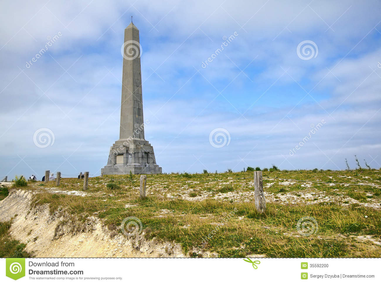 The monument on cap blanc nez stock photo image 35592200 - Tables decennales pas de calais ...