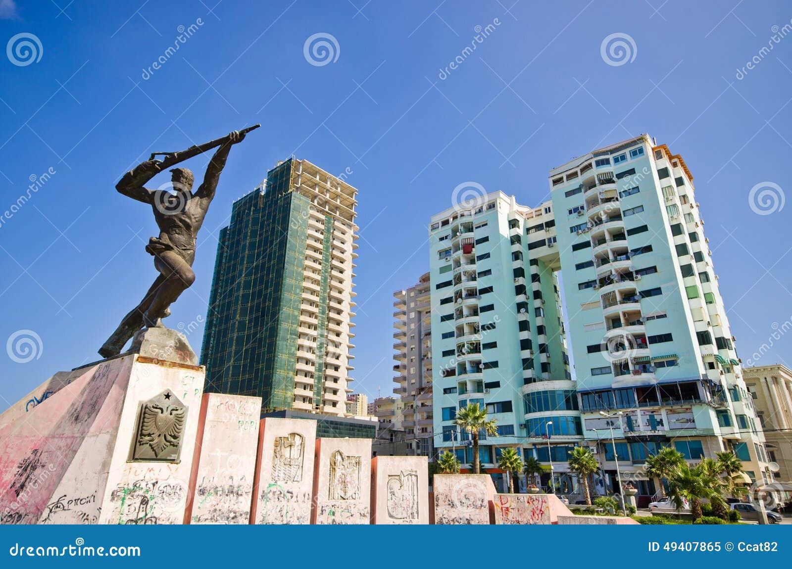 Download Monument Des Anhängers In Durres, Albanien Redaktionelles Bild - Bild von erinnerungs, gebäude: 49407865