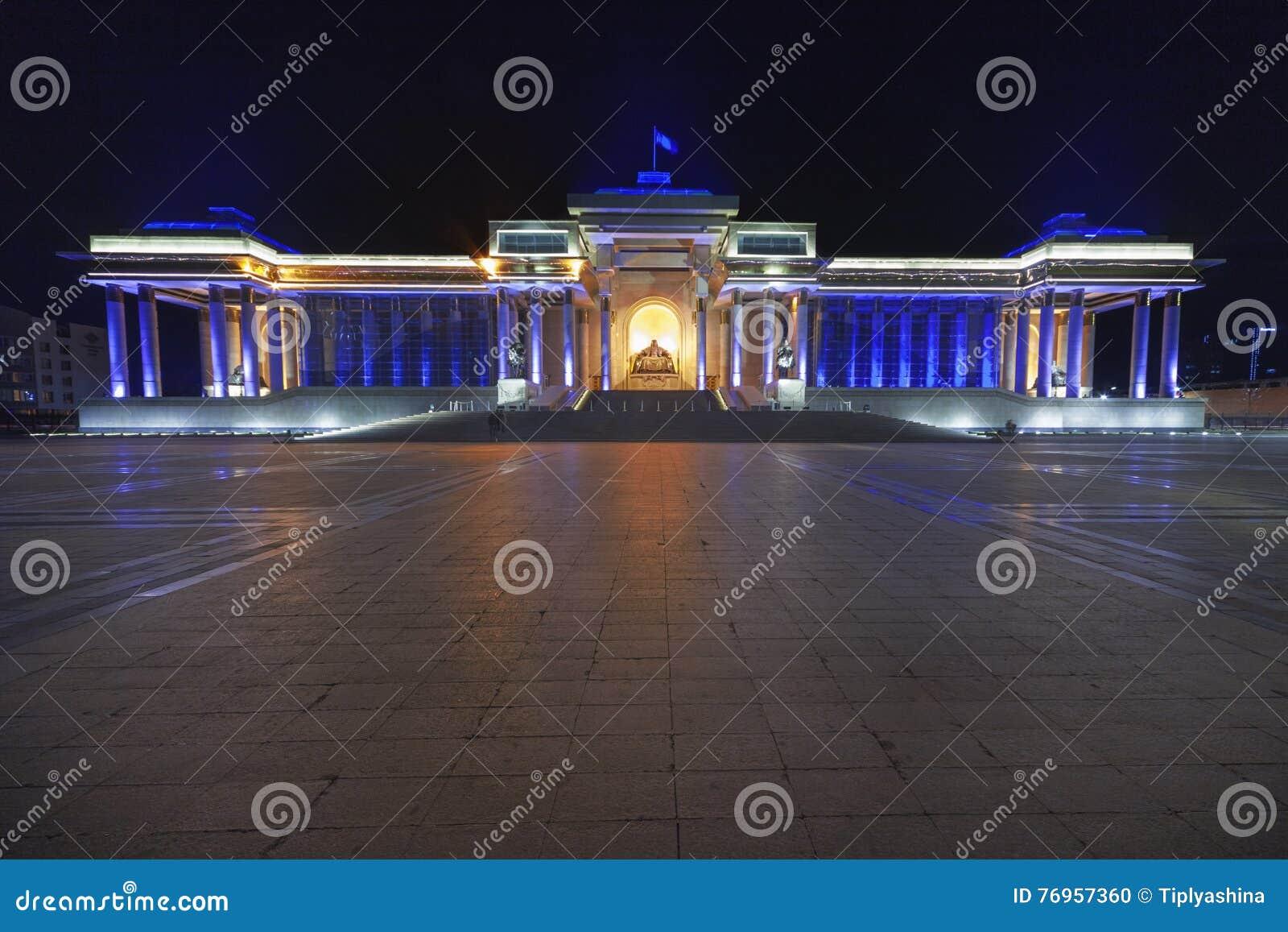 Monument, die een gezette Genghis Khan afschilderen
