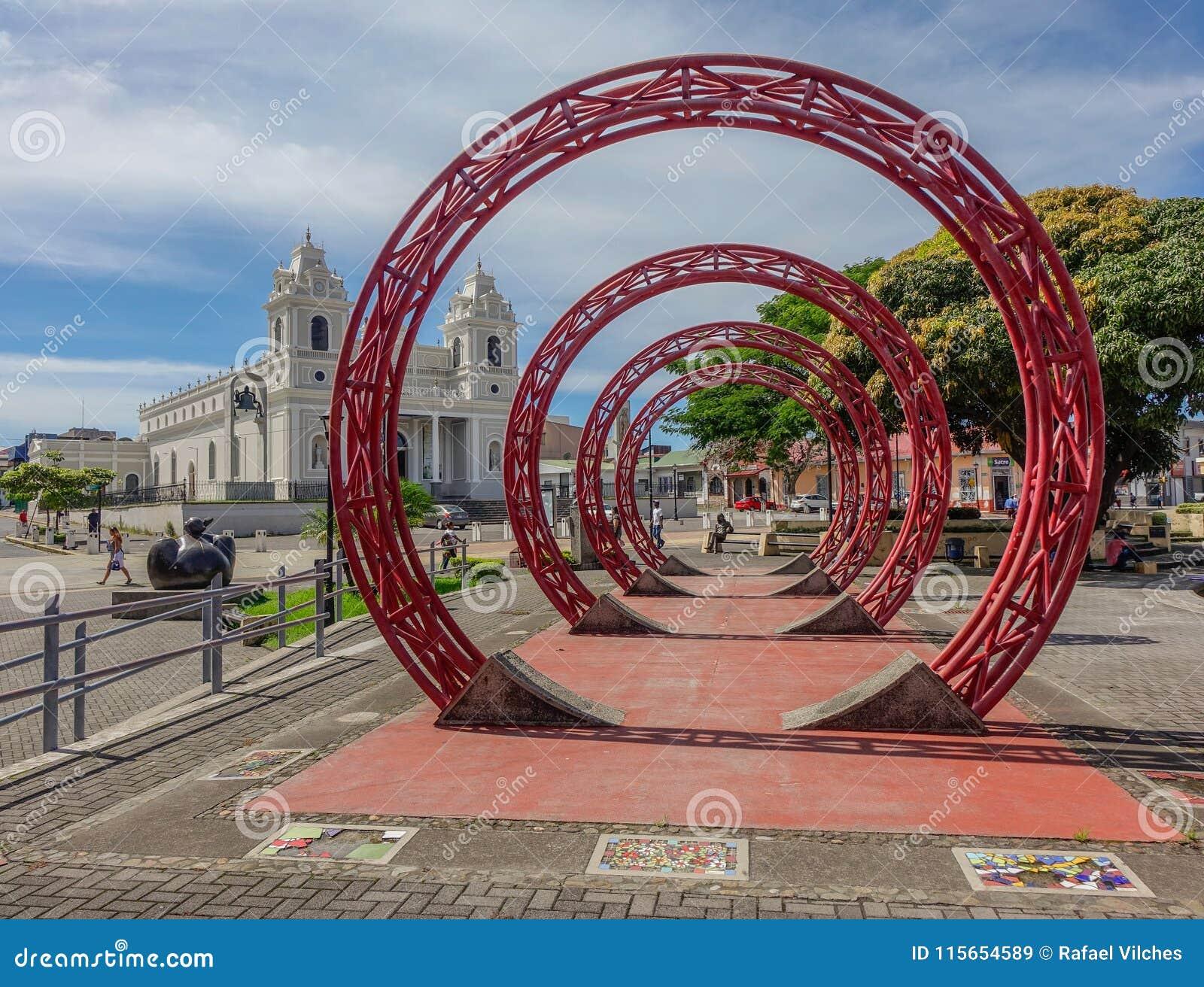Monument i mitt av San Jose av Costa Rica
