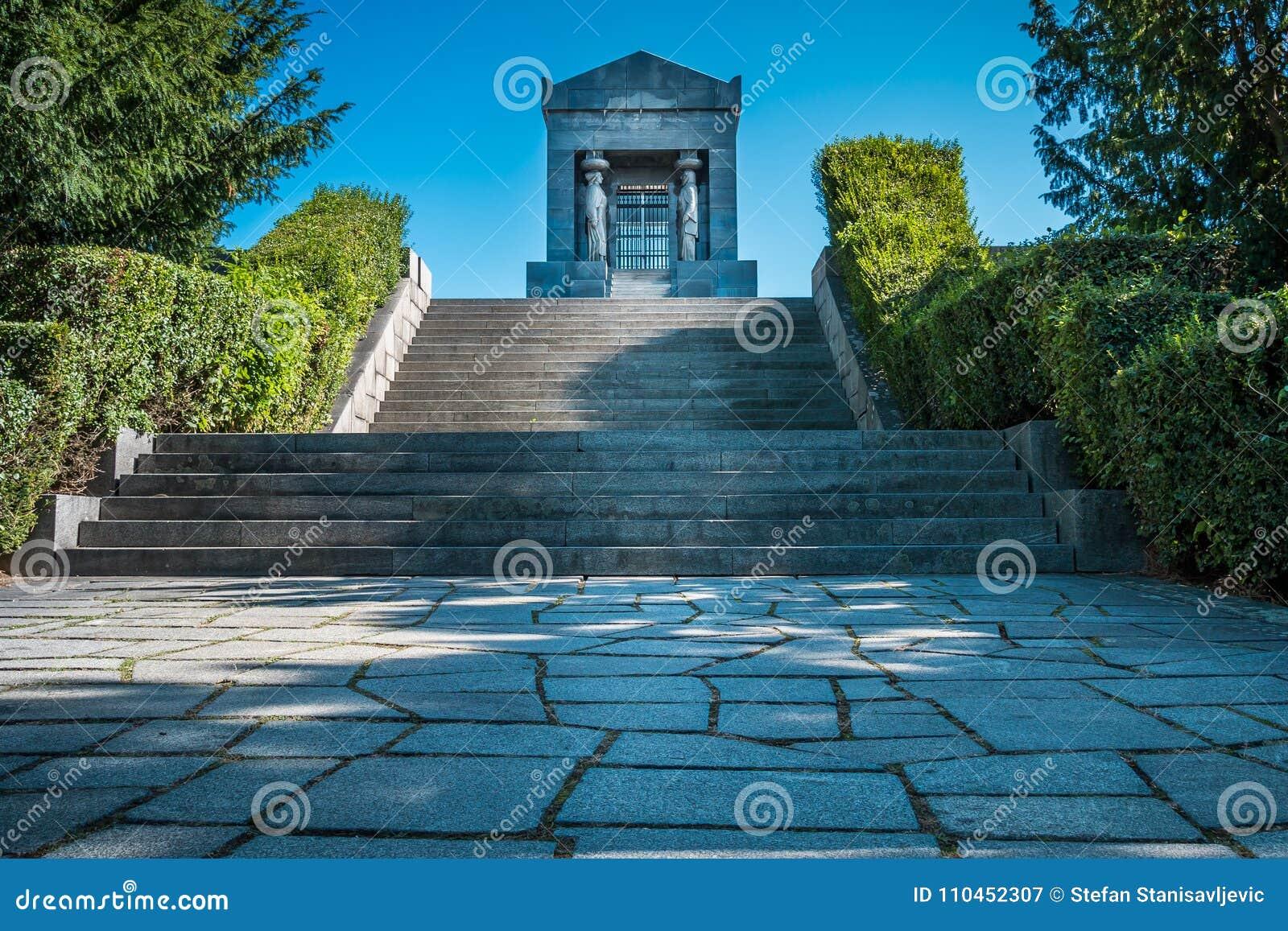 Monument till den okända hjälten, Serbien