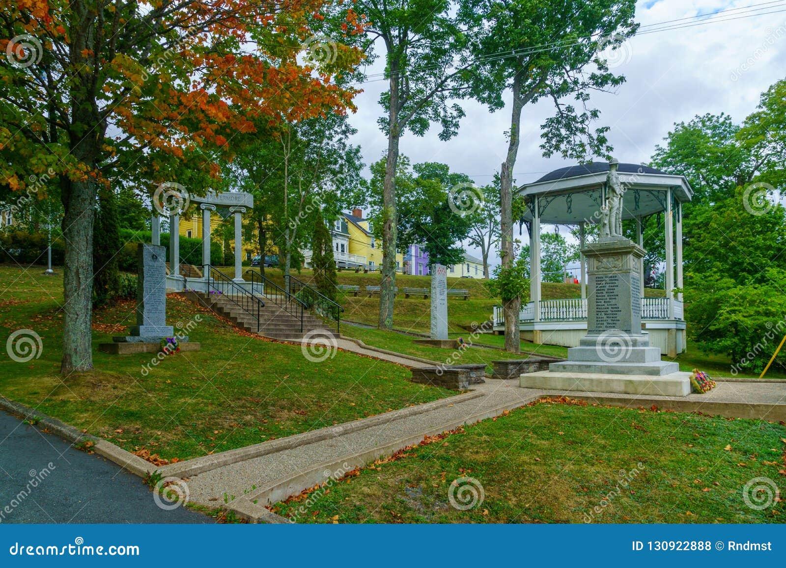 Monument till WWI-soldater, i Lunenburg
