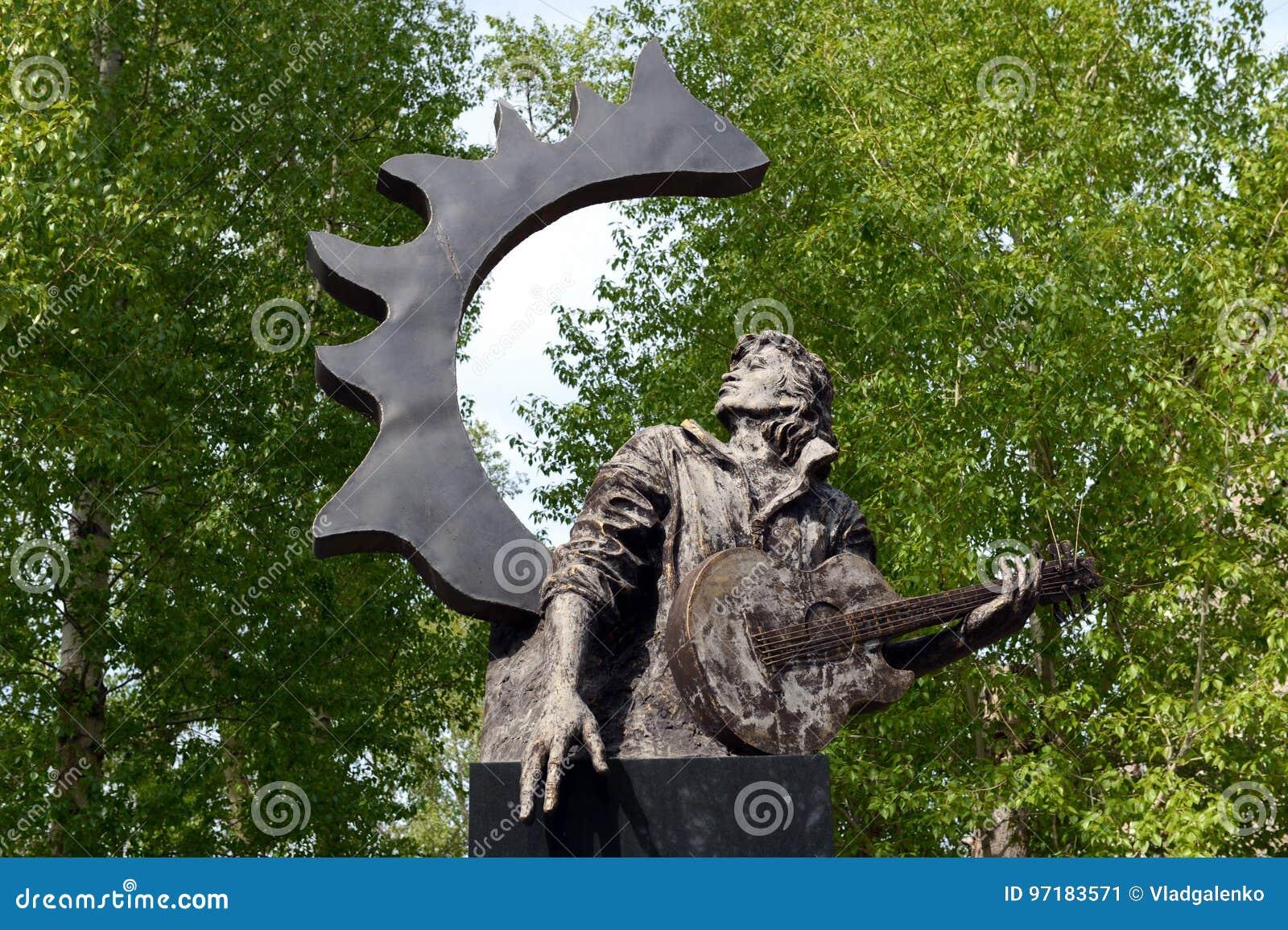 Monument to Viktor Tsoi will go to the Novgorod region 09/29/2015 94