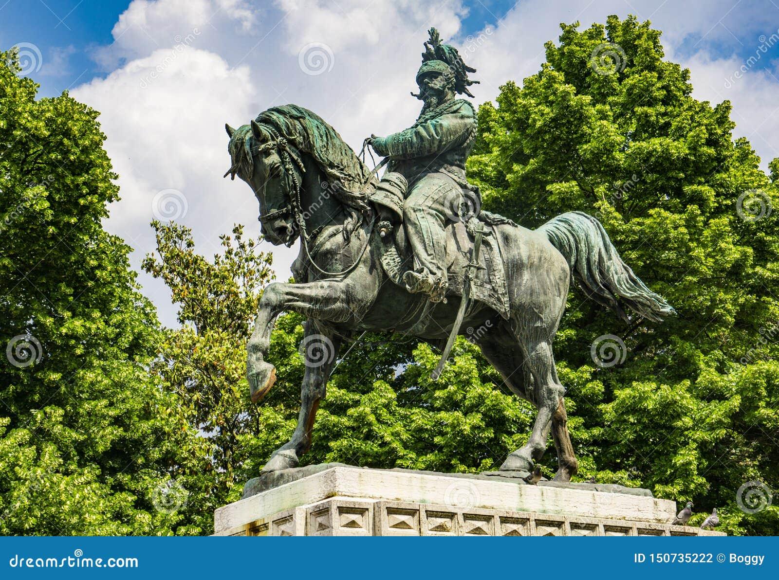 Monument zu Vittorio Emanuele das zweite, König von Italien im BH-Quadrat in Verona, Italien