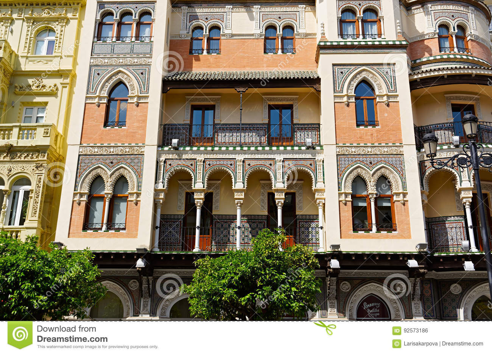 Monumenti storici e monumenti di Siviglia, Spagna Stili architettonici spagnoli di gotico e di Mudejar, barocco