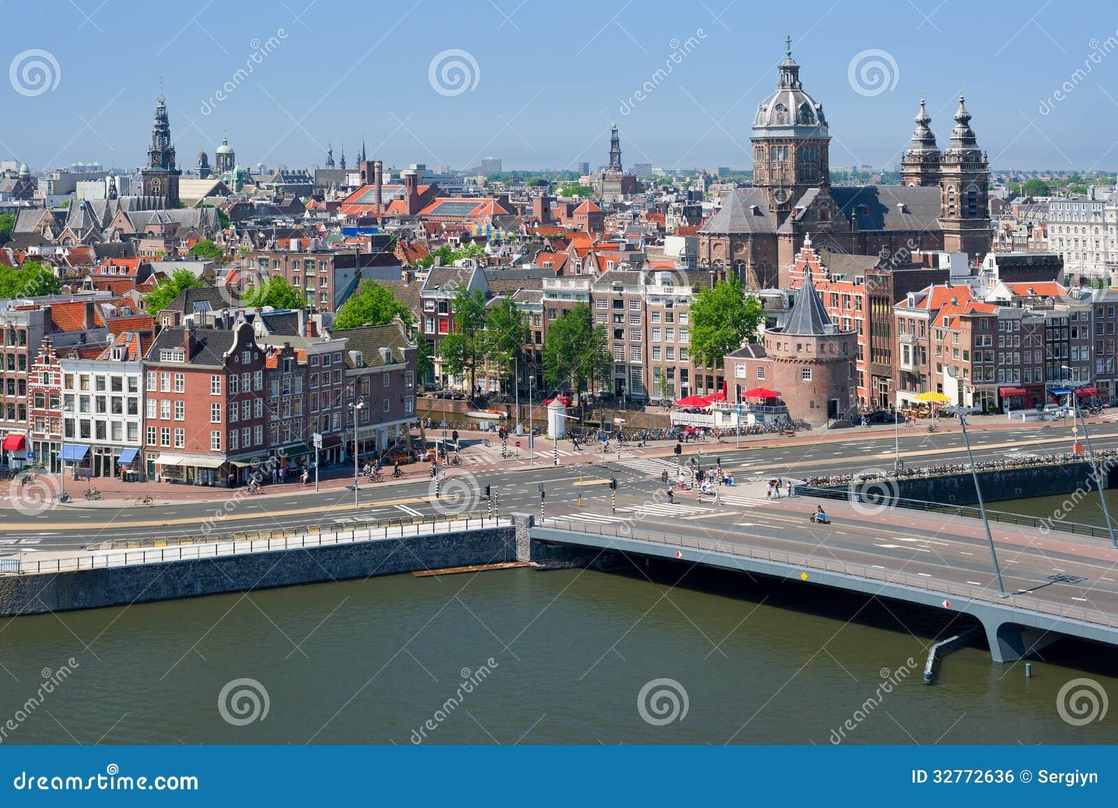 Monumenti storici nel centro di amsterdam fotografia stock for Centro di amsterdam