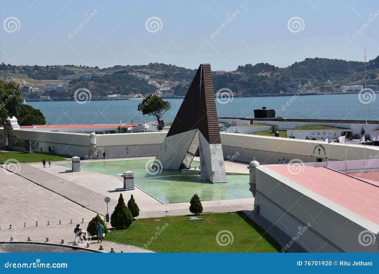 Monumento aos Combatentes gör Ultramar på Belem i Lissabon, Portugal