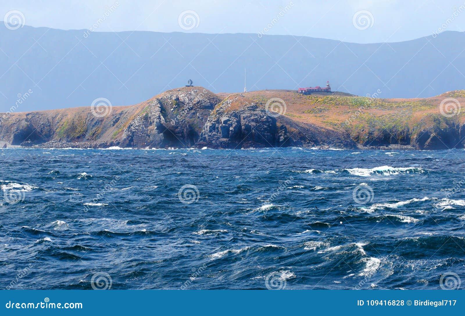 Capo Horn Cartina.Monumento A Capo Horn Con Il Mare Tempestoso Tierra Del