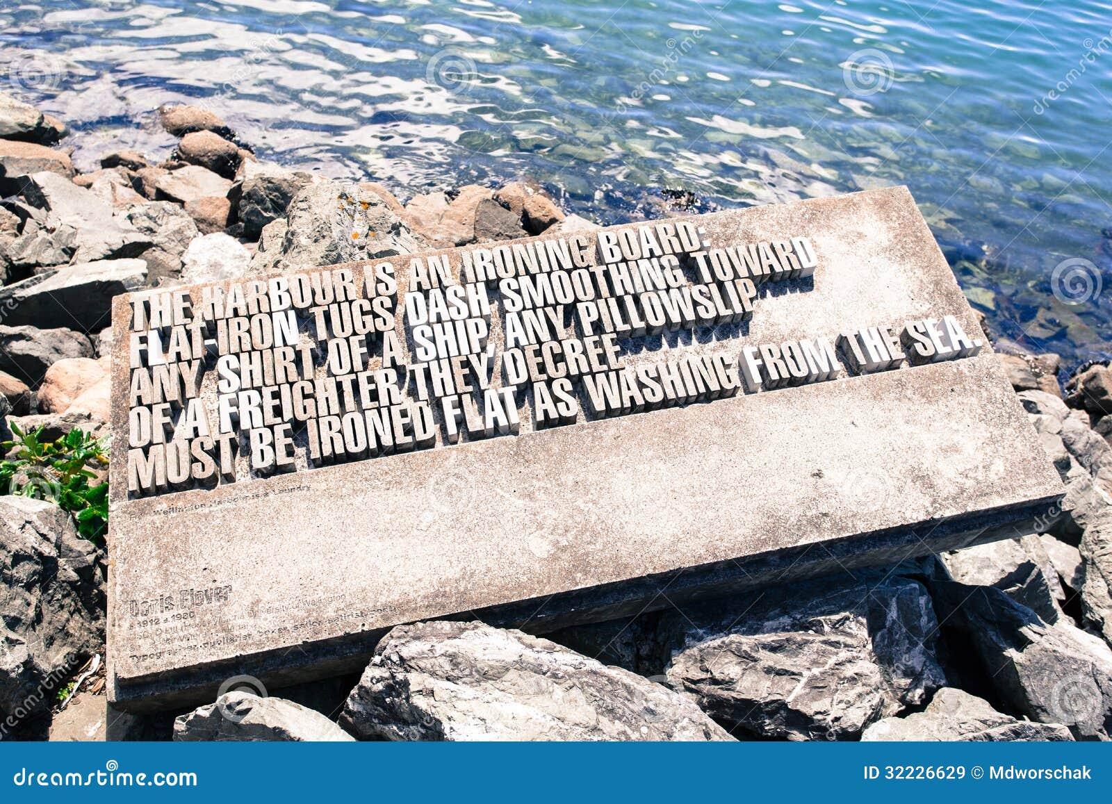 Download Monumento De Denis Glover Em Wellington Imagem de Stock - Imagem de marco, poema: 32226629