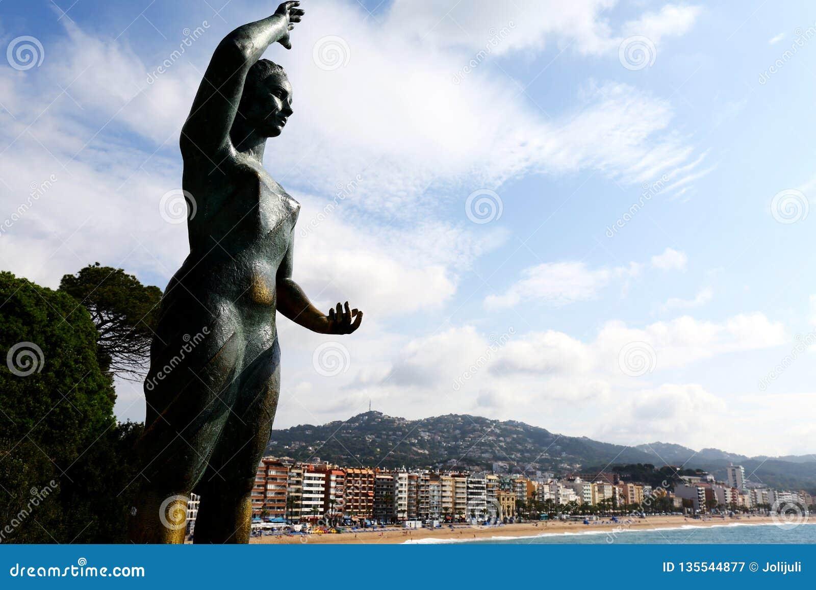 Monumento de Dona Marinera