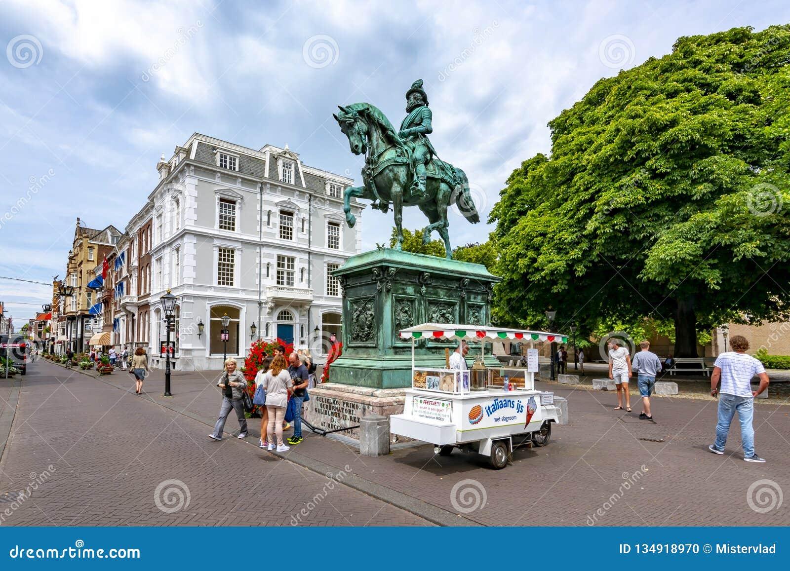 Monumento de Guillermo I en el centro de La Haya, Países Bajos