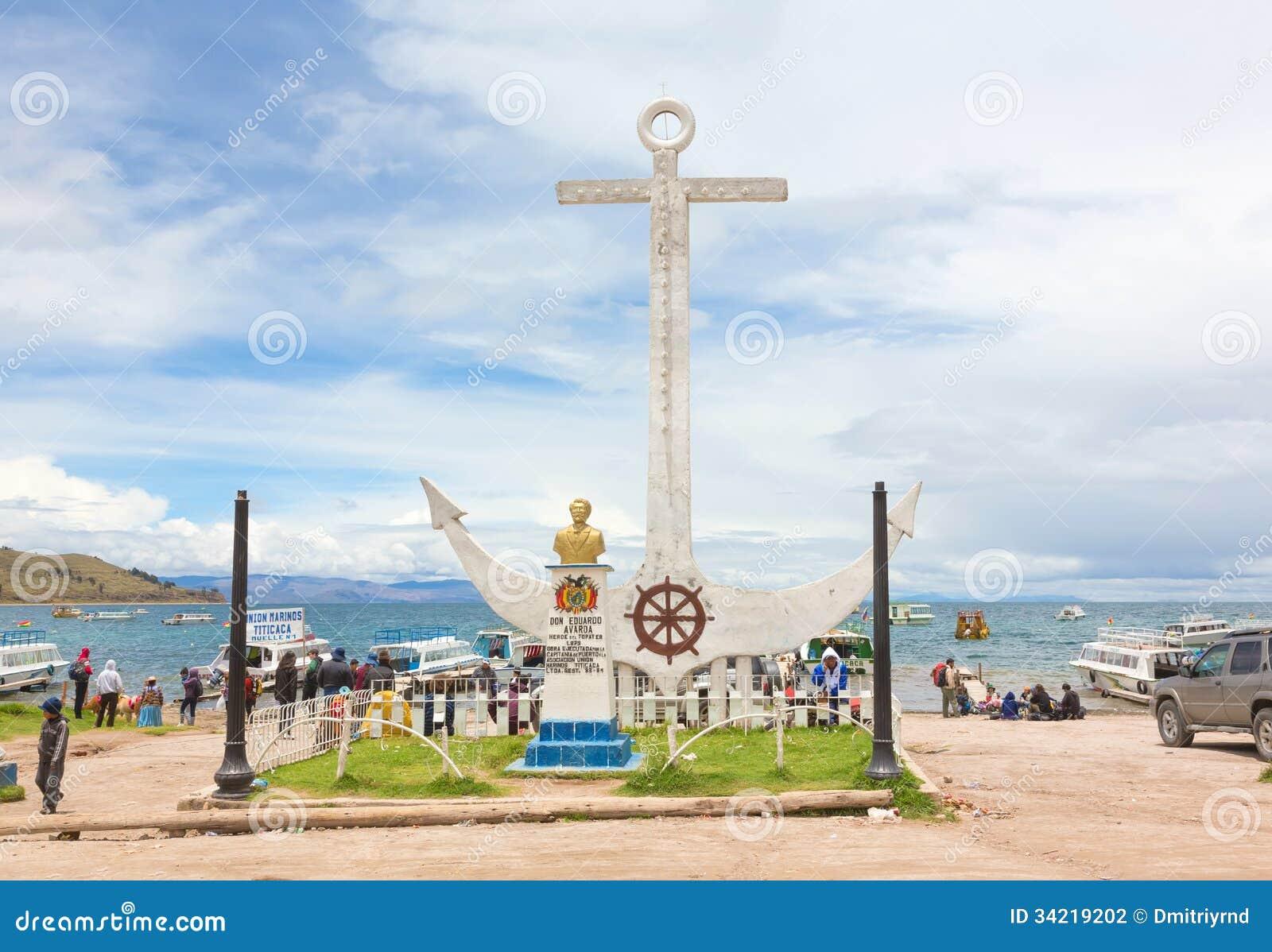 Monumento a Don Eduardo Avaroa en Copacabana, Bolivia