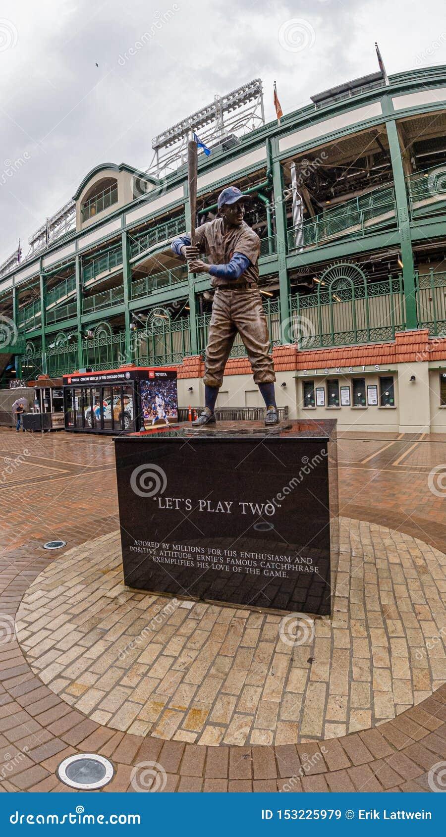 Monumento en el estadio de béisbol del campo de Wrigley - CHICAGO, los E.E.U.U. - 10 DE JUNIO DE 2019