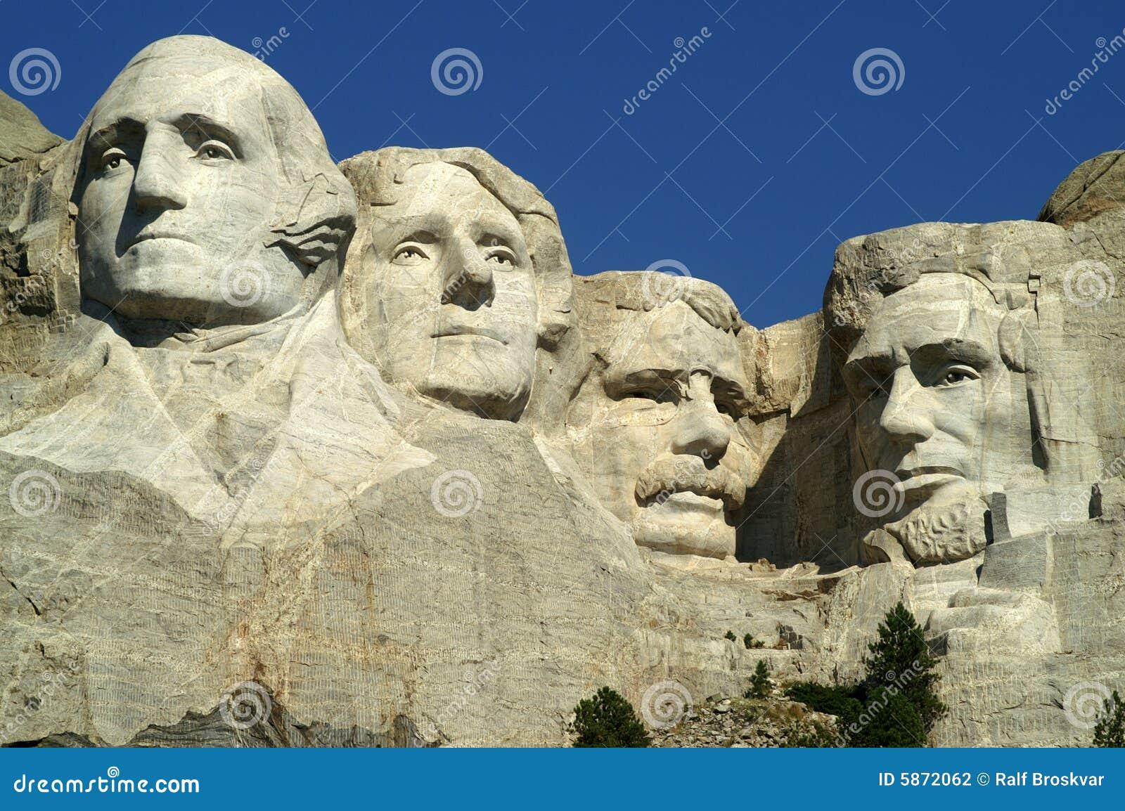 Monumento nacional de Rushmore del montaje