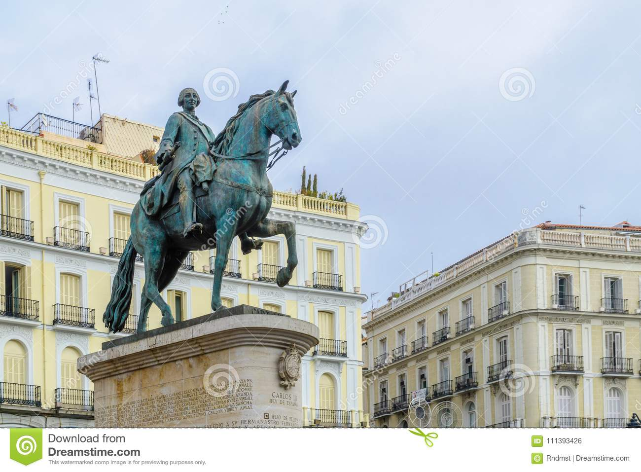 Monumento a rey Charles III, Puerta del Sol, Madrid