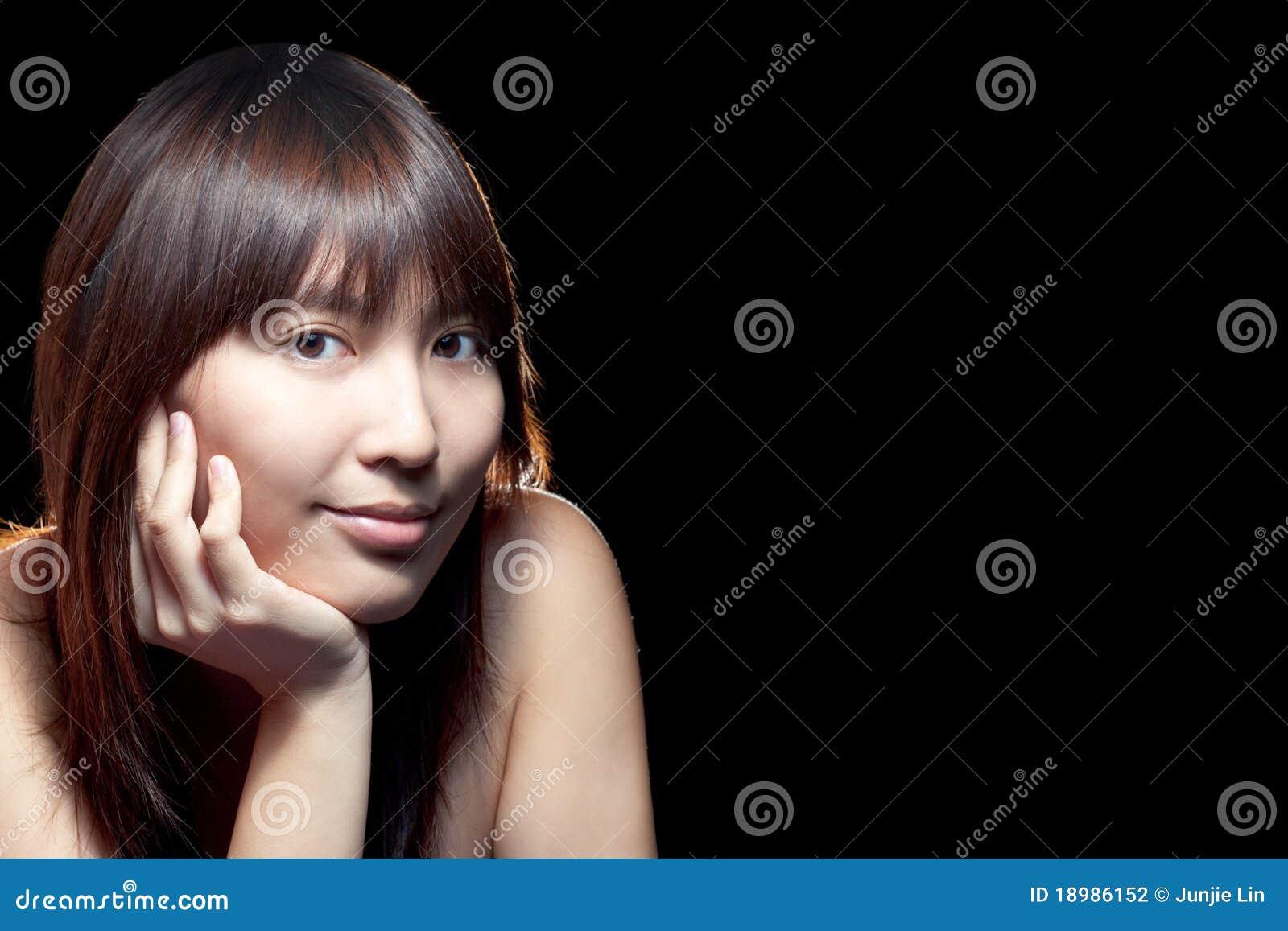 Mooi Aziatisch meisje met perfecte huid