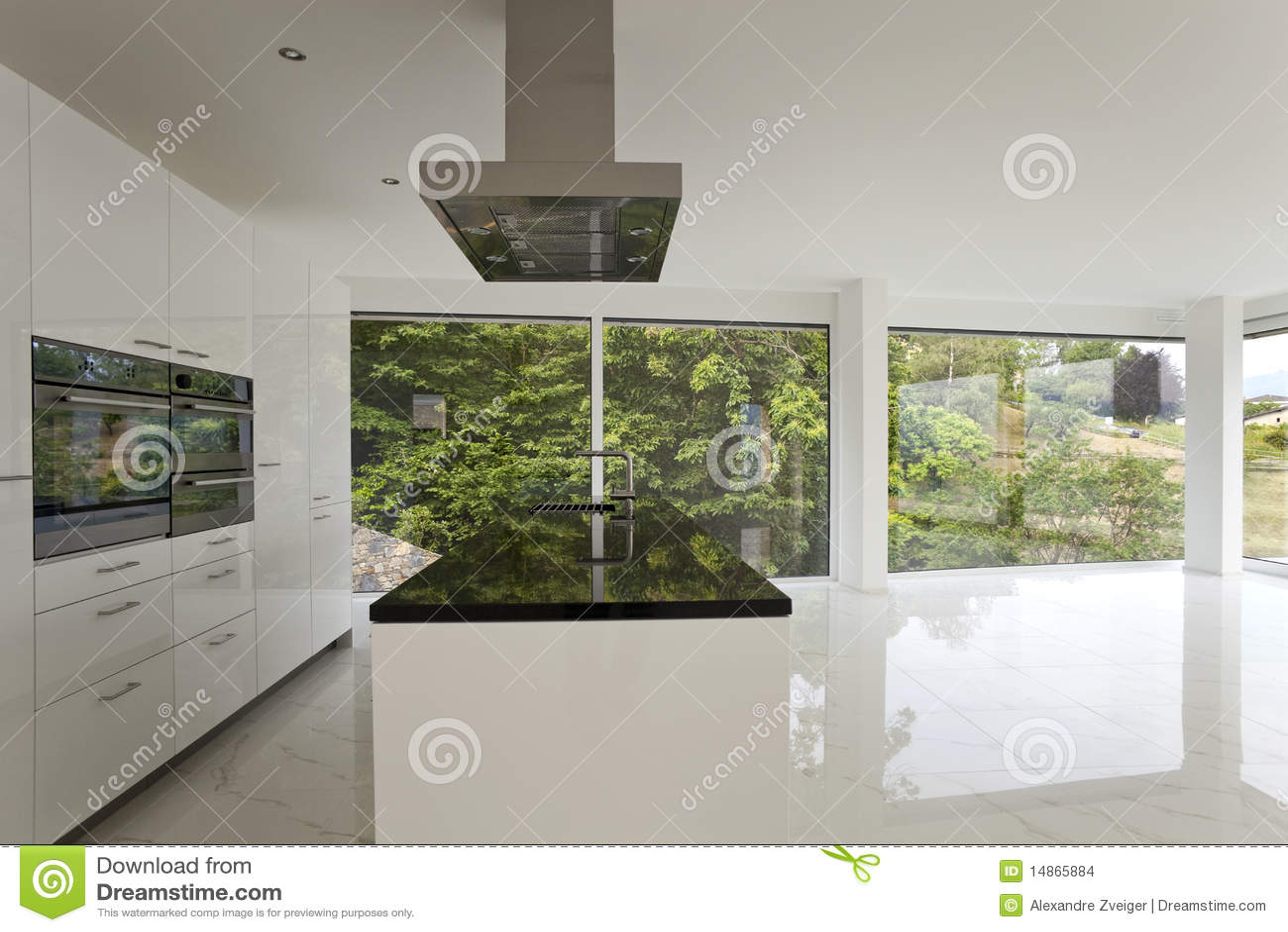 Mooi binnenland van een modern huis stock foto afbeelding 14865884 - Foto modern huis ...