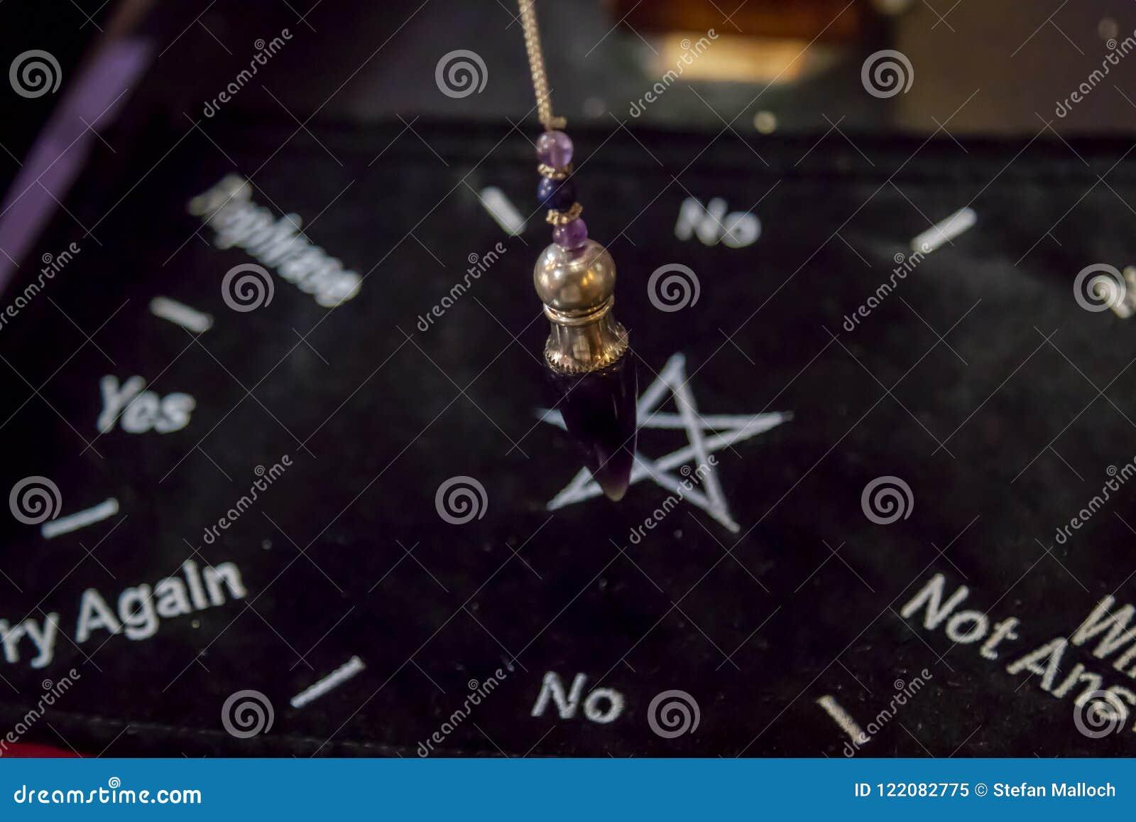 Mooi Crystal Pendulum Hanging