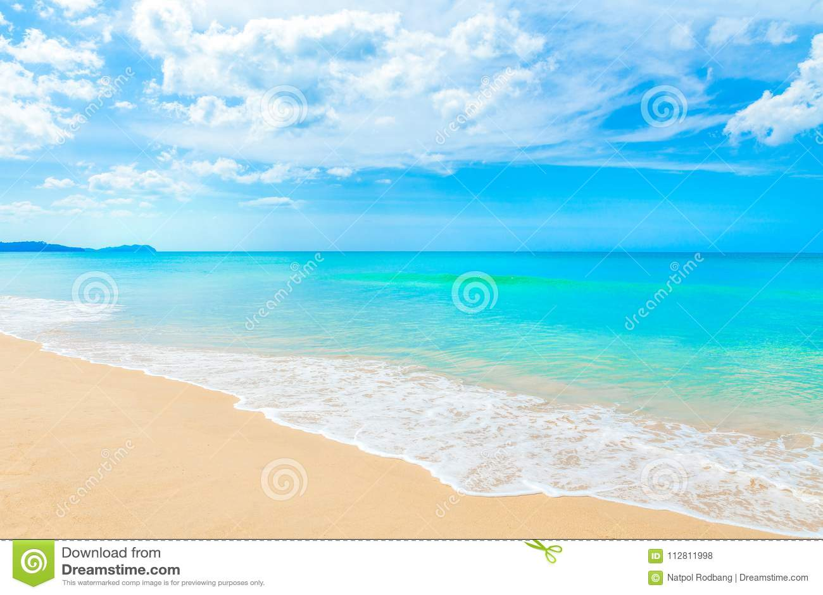 Mooi de zomerstrand en tropische overzees in khaolak Phangnga Sou