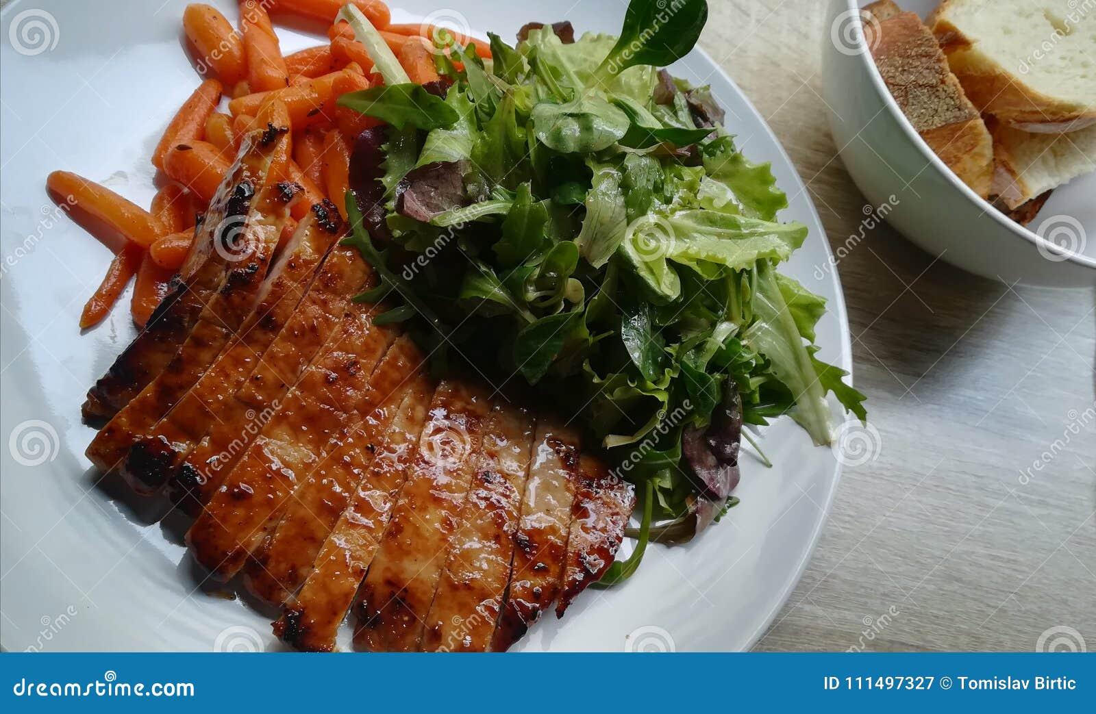 Mooi die Plaat/Varkensvlees met Stijl wordt gediend