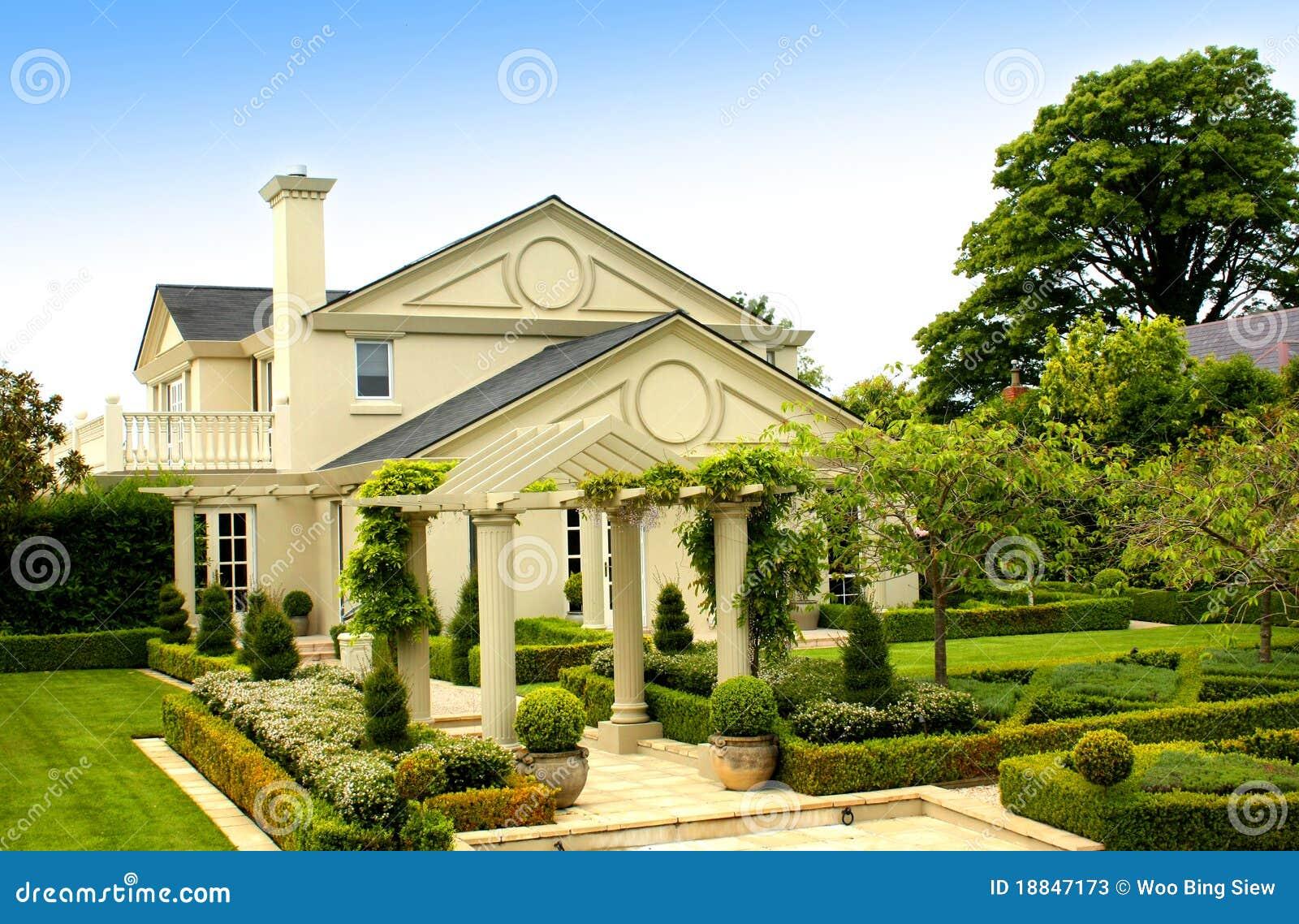 Mooi huis stock foto 39 s beeld 18847173 - Mooi huis ...