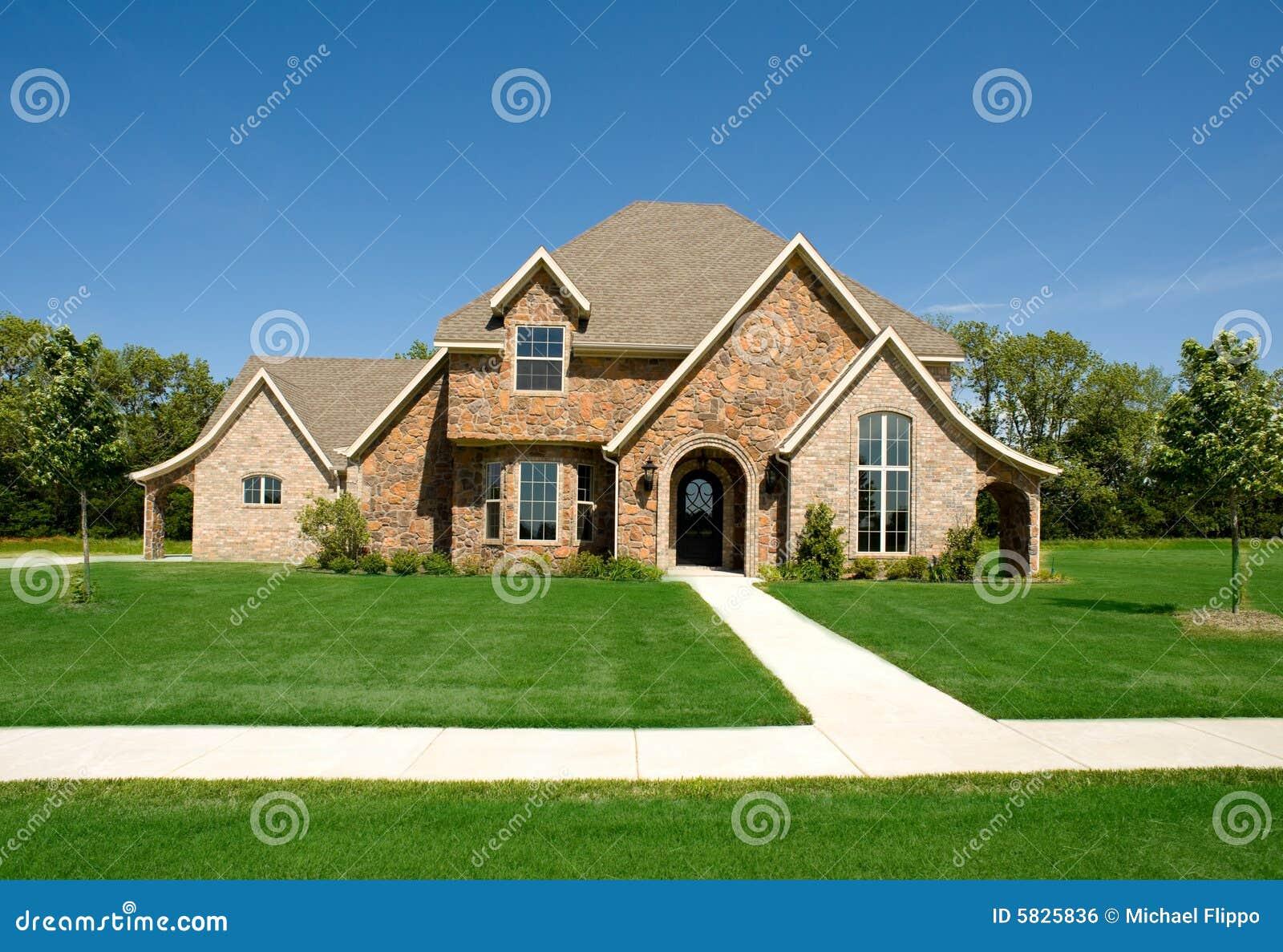 Mooi huis of huis stock foto afbeelding bestaande uit investeer 5825836 - Mooie huis foto ...