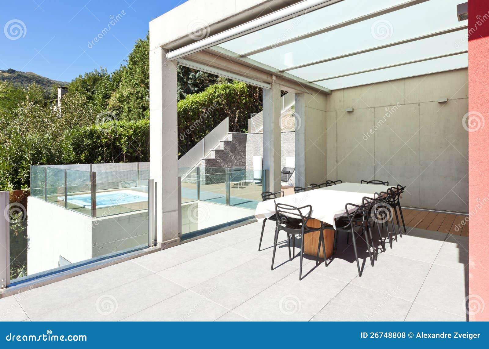 Mooi huis terras stock foto. afbeelding bestaande uit perspectief
