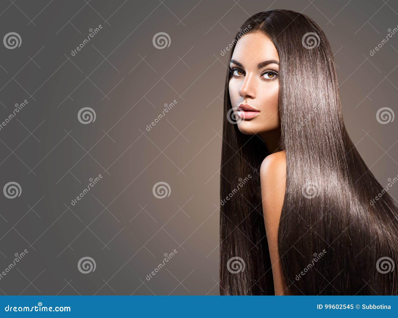 Mooi lang haar Schoonheidsvrouw met recht zwart haar