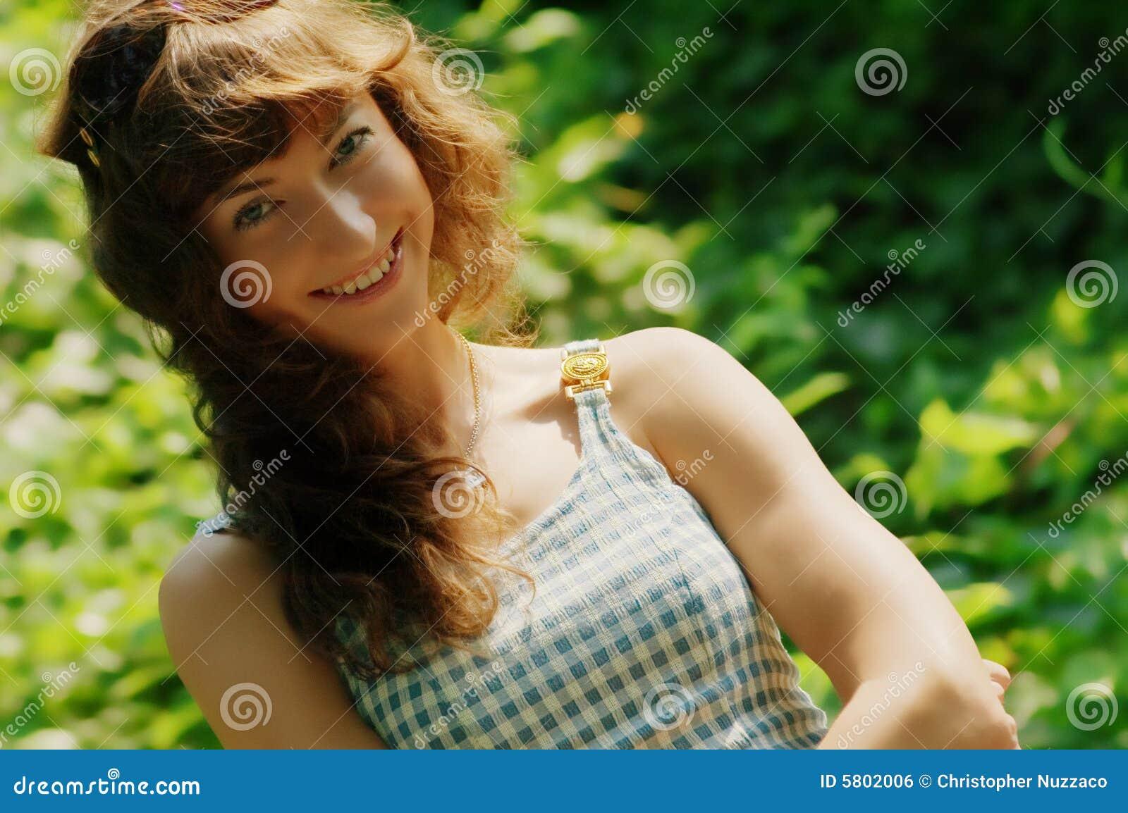 Mooi Meisje in Land