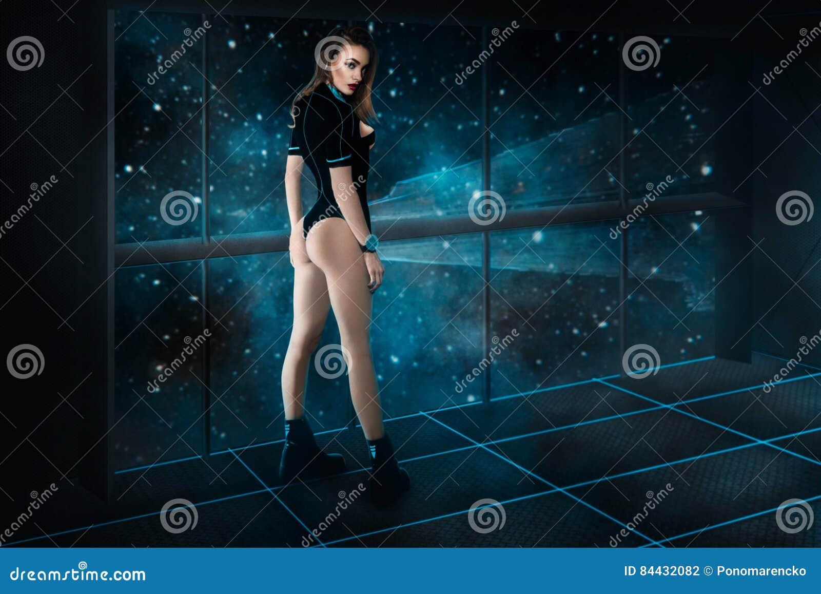 Mooi meisje op ruimteschipraad in ruimte