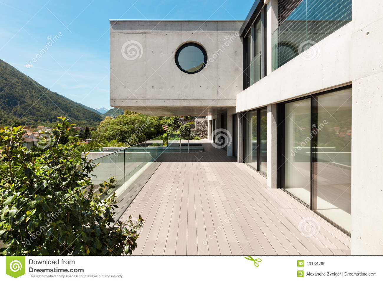 Mooi modern huis in cement stock foto afbeelding 43134769 for Terras modern huis