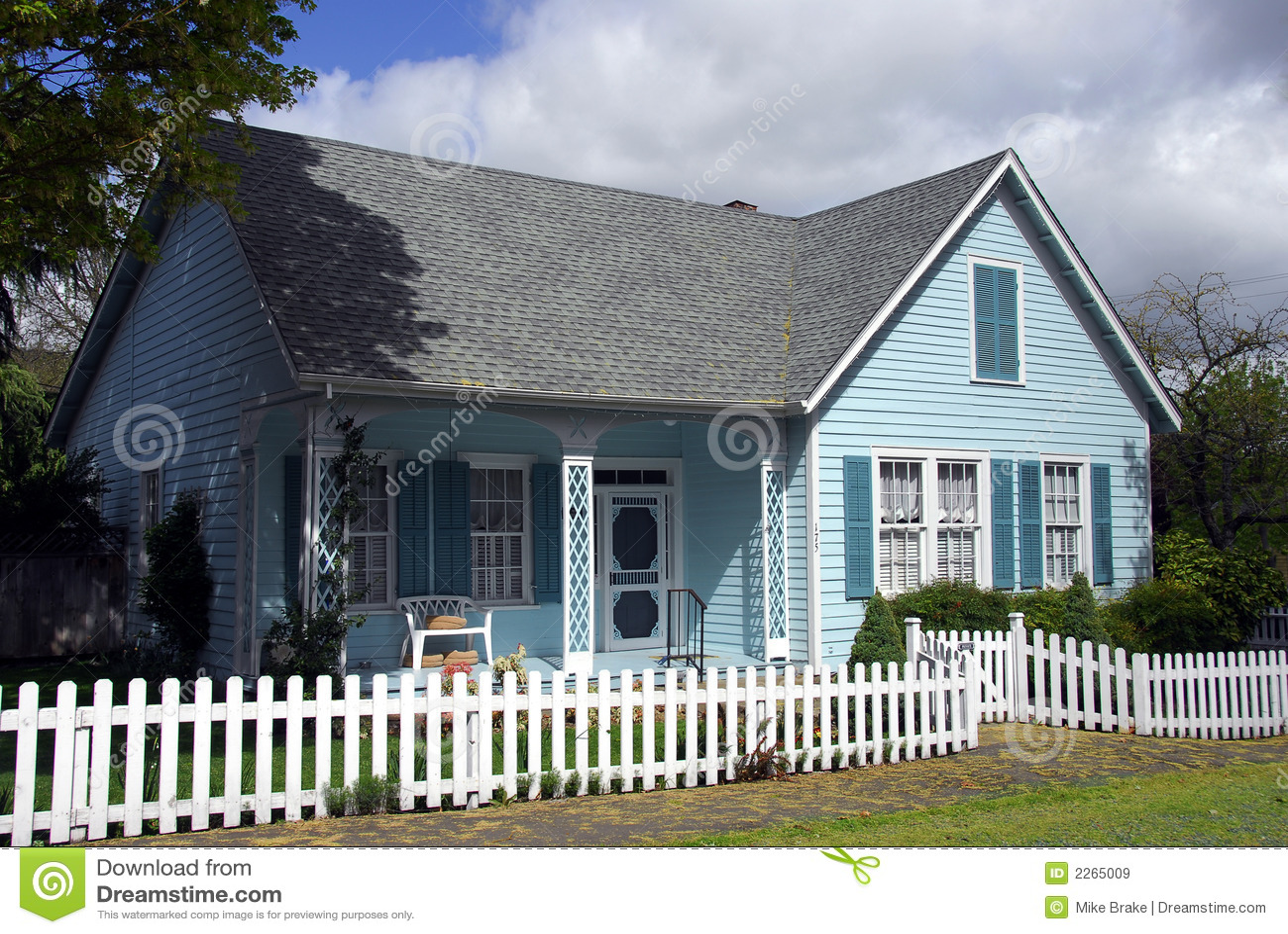 Mooi oud huis stock afbeelding afbeelding bestaande uit hersteld 2265009 - Mooi huis ...