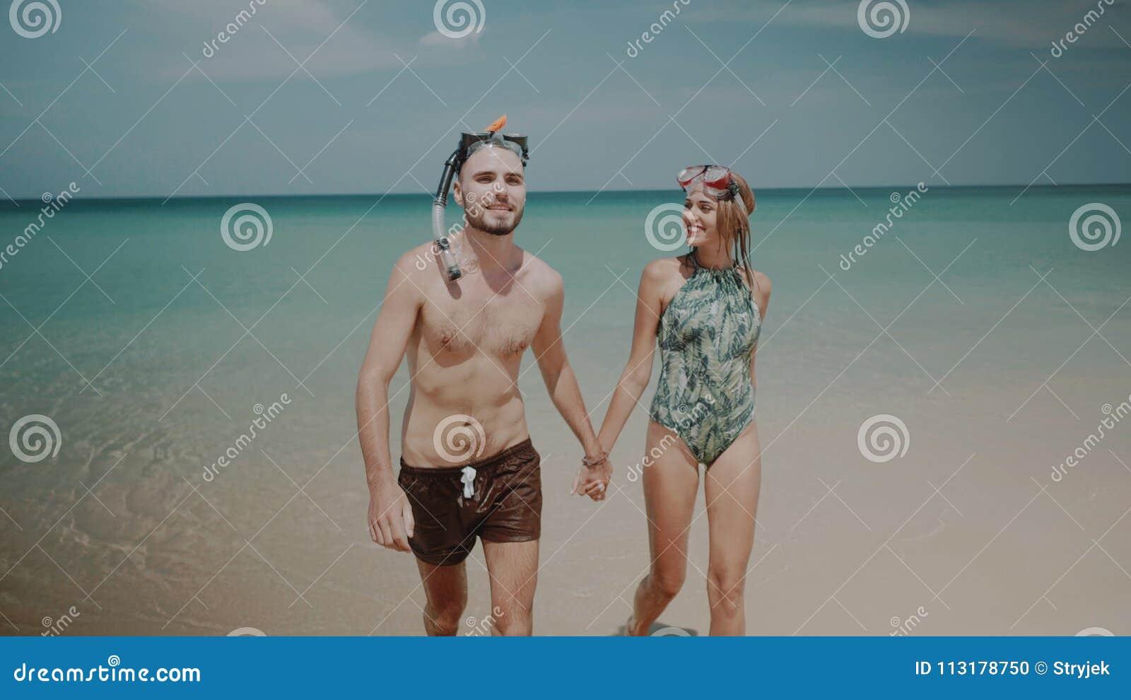 Mooi paar tijdens de zomervakantie