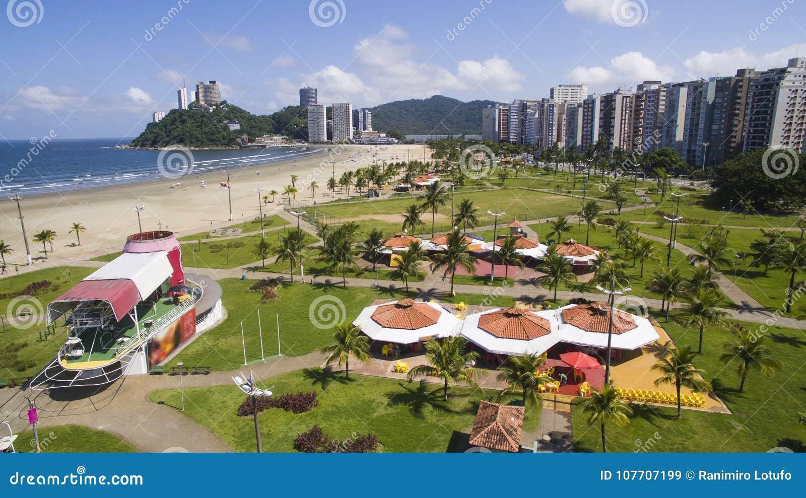 Download Mooi Strand In Zuid-Amerika, Brazilië Stock Afbeelding - Afbeelding bestaande uit oceaan, boot: 107707199
