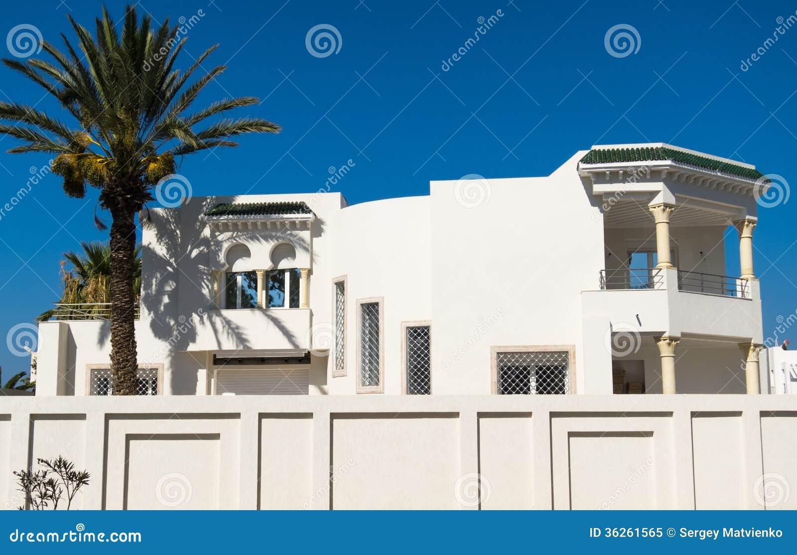 Mooi wit huis royalty vrije stock foto afbeelding 36261565 - Mooi huis ...