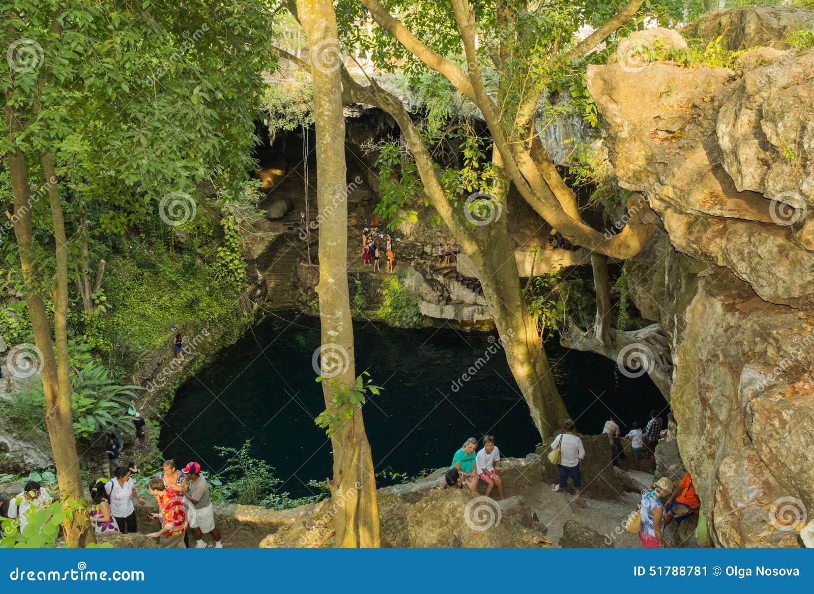 Mooie aard Cenote Zaci in Mexico